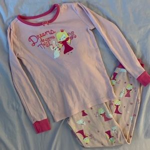 Gymboree pajama set size 7 Dreams do come true